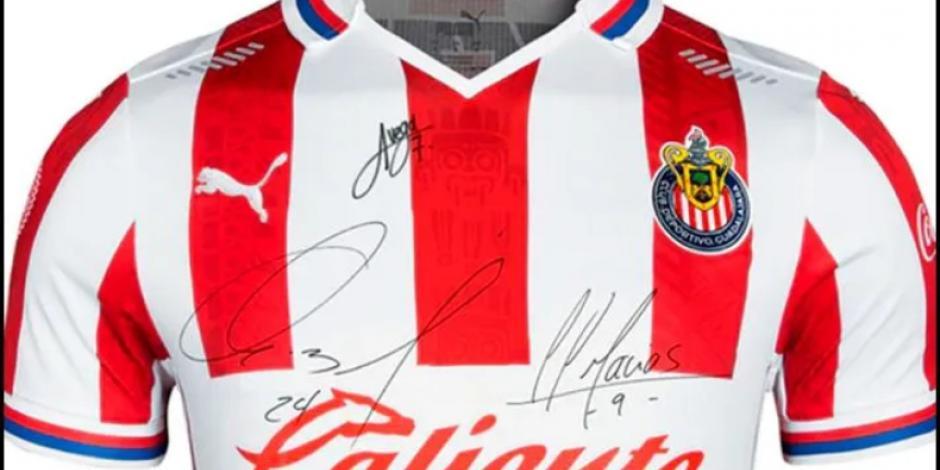 CHIVAS: ¡En crisis! El equipo empieza a vender los autógrafos de sus jugadores
