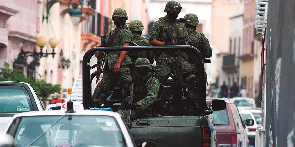 Soldados patrullan la capital zacatecana, en la imagen de archivo.