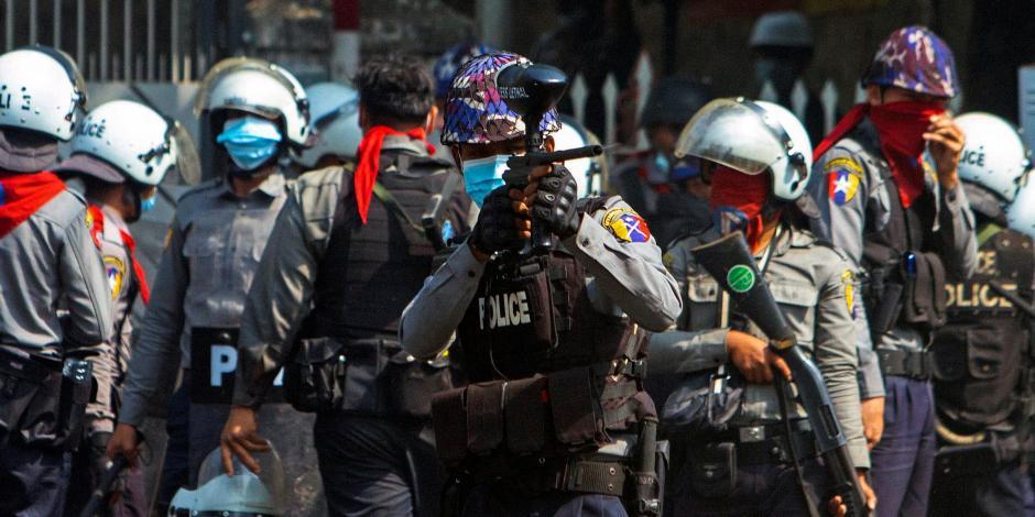 2021-02-28T071152Z_2005766705_RC2J1M9KVRVK_RTRMADP_3_MYANMAR-POLITICS