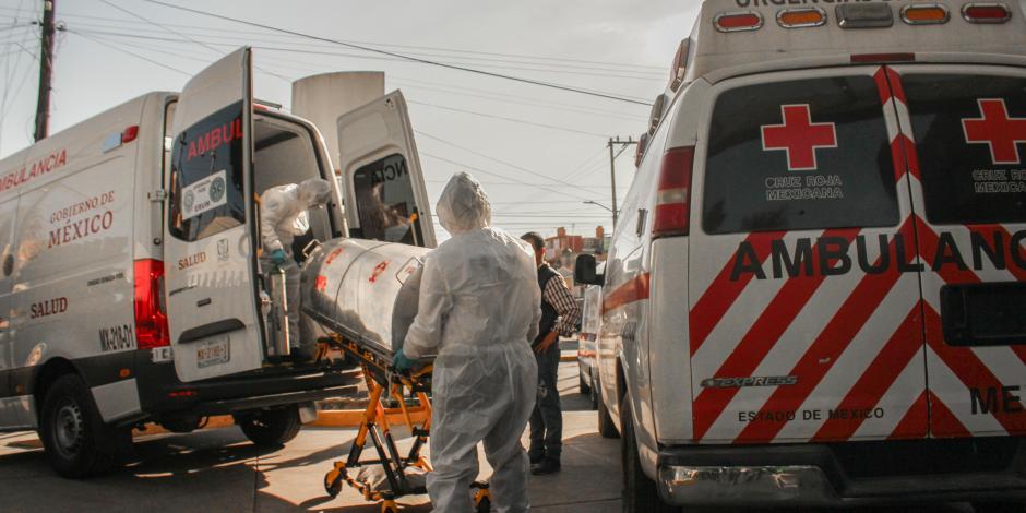 Paciente con Covid en estado crítico llega al Hospital Siglo XXI