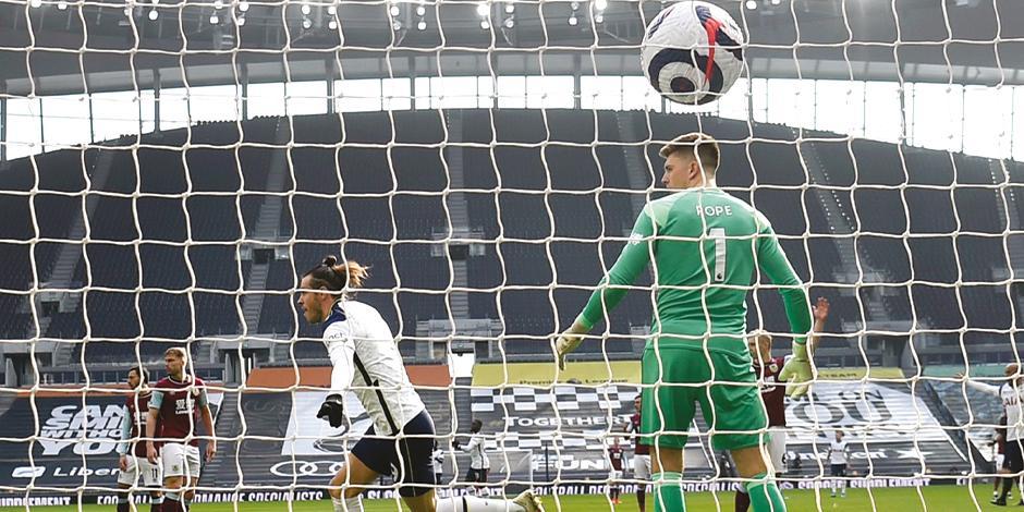 Gareth celebra una de sus anotaciones, ayer, en la Premier League.