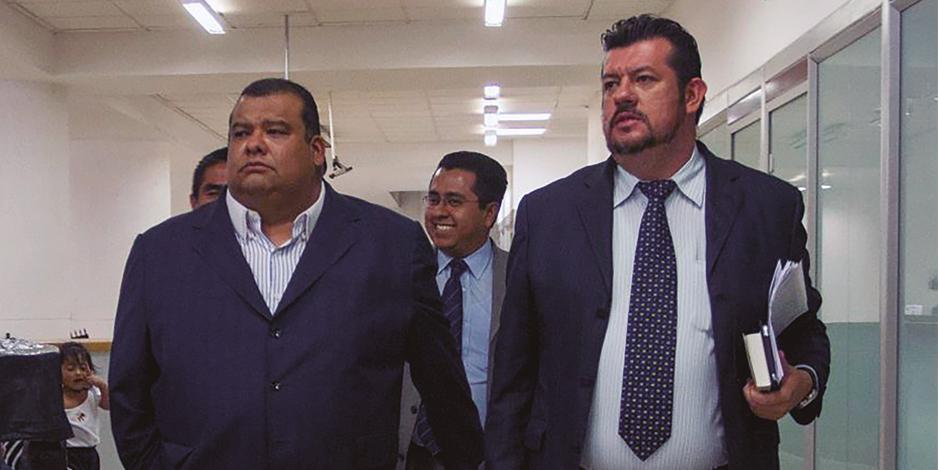 Cuauhtémoc Gutiérrez (der.) acudió en 2014 a la PGJDF para declarar por el caso.