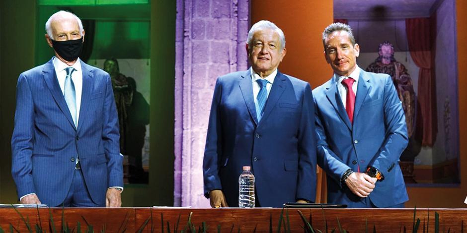 (DE izq. a der.) Luis Niño de Rivera, el Presidente y Daniel Becker, ayer.