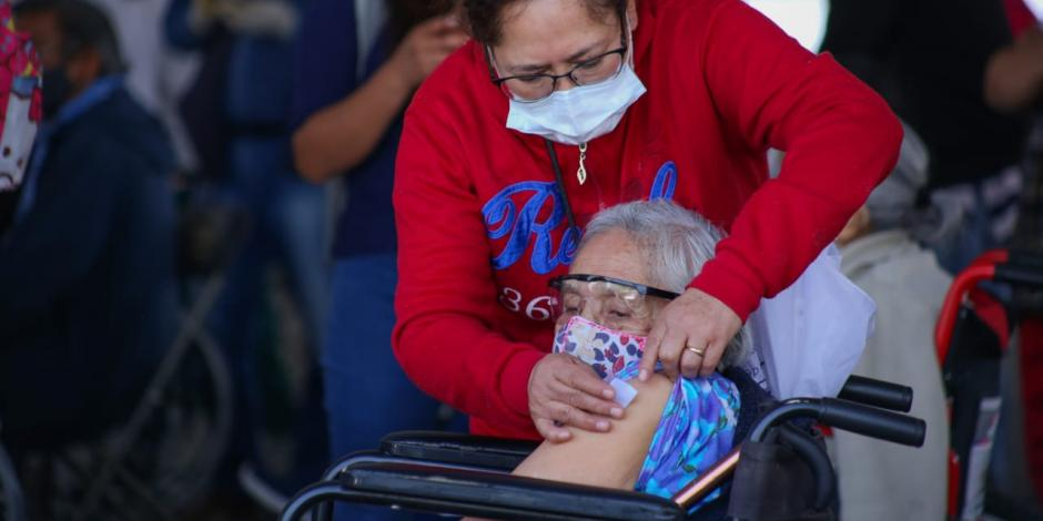 Vacunación de adulto mayor