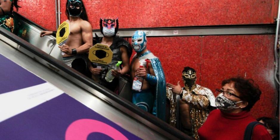 Luchadores en el Metro