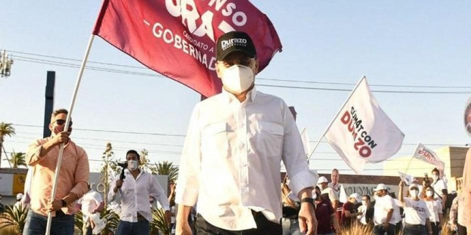 Alfonso Durazo estuvo arropadopor jóvenes en la capital sonorense, el sábado.