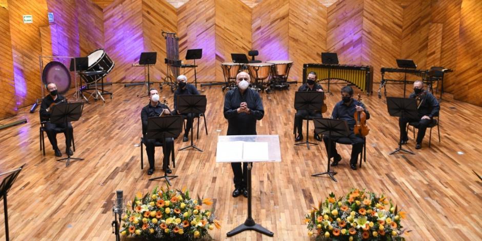 músicos de la OSEM, durante un recital de la nueva normalidad.