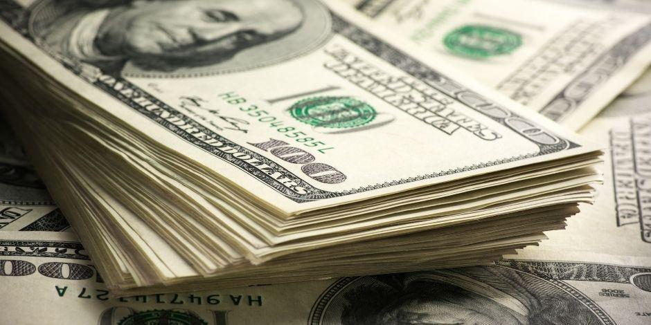dólares-dólar