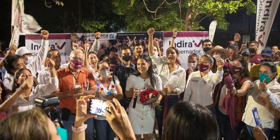 Indira Vizcaíno tras terminar el debate, ayer.