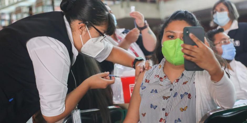 Vacunación contra COVID-19  a profesores