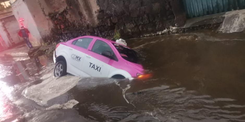 Taxi-socavón-Milpa Alta
