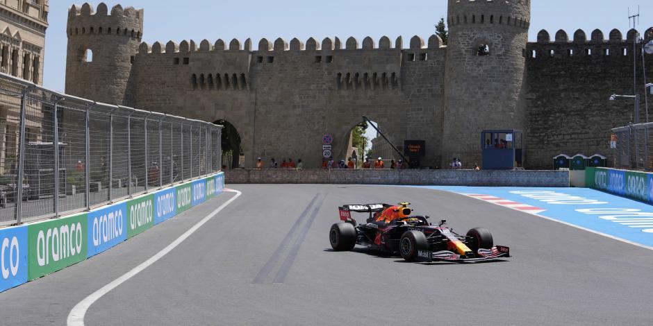 F1: Red Bull y Checo Pérez dominan las primeras prácticas del GP de Azerbaiyán