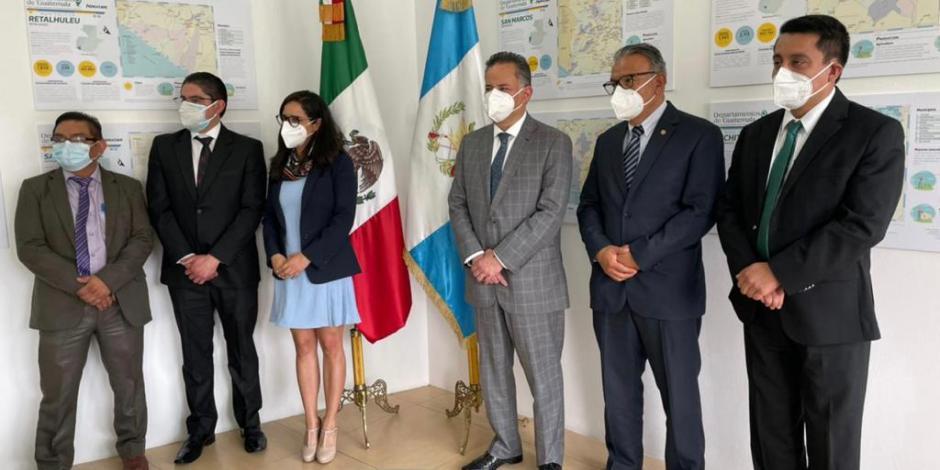México y Guatemala firman convenio por combate a tráfico de migrantes