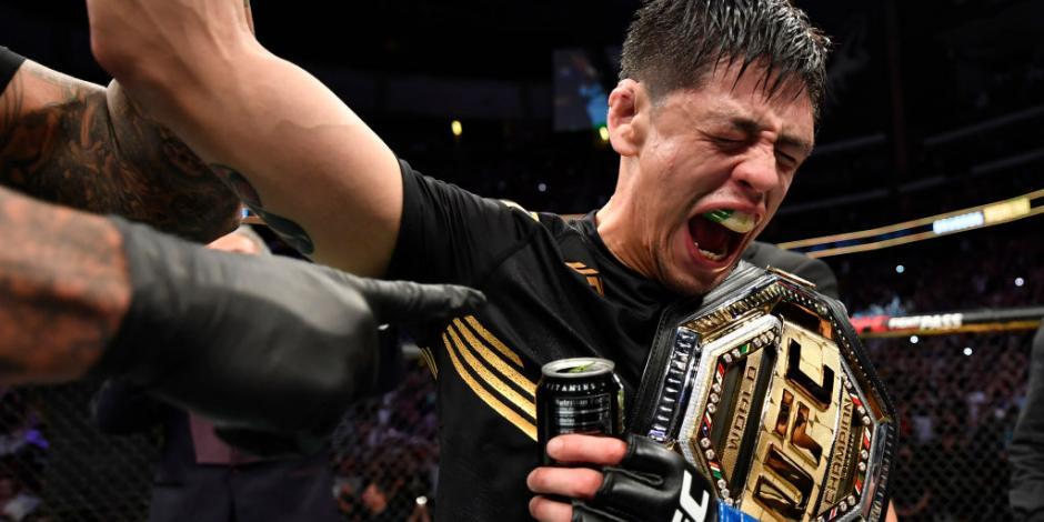 VIDEO: Así fue la emotiva celebración de Brandon Moreno tras ganar en el UFC 263
