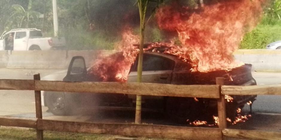 Incendian patrulla de la Guardia Nacional en Tabasco