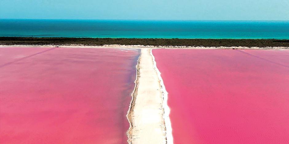 Las Coloradas maravilla por sus aguas rosadas.