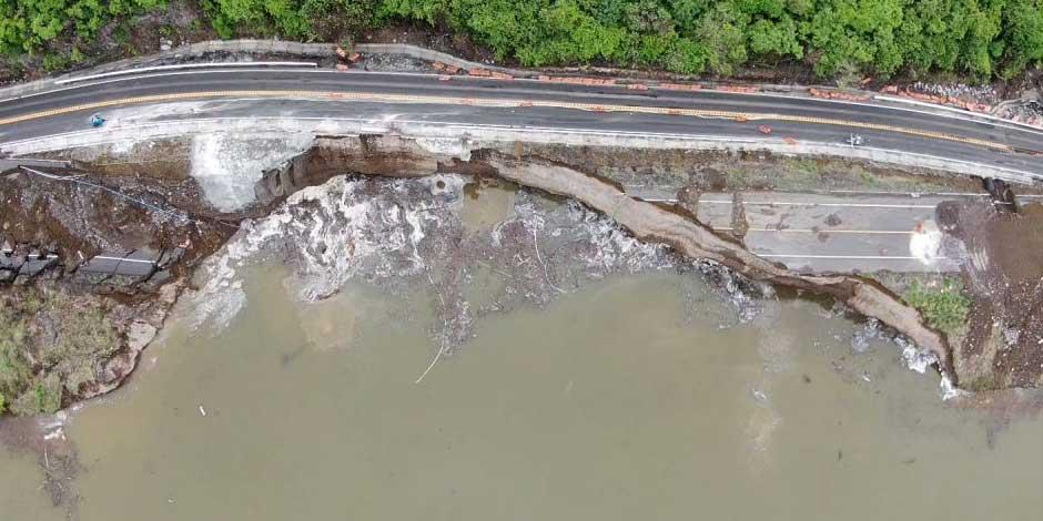 Carretera afectada por lluvias