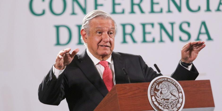 El Presidente Andrés Manuel López Obrador, en conferencia matutina, este martes.