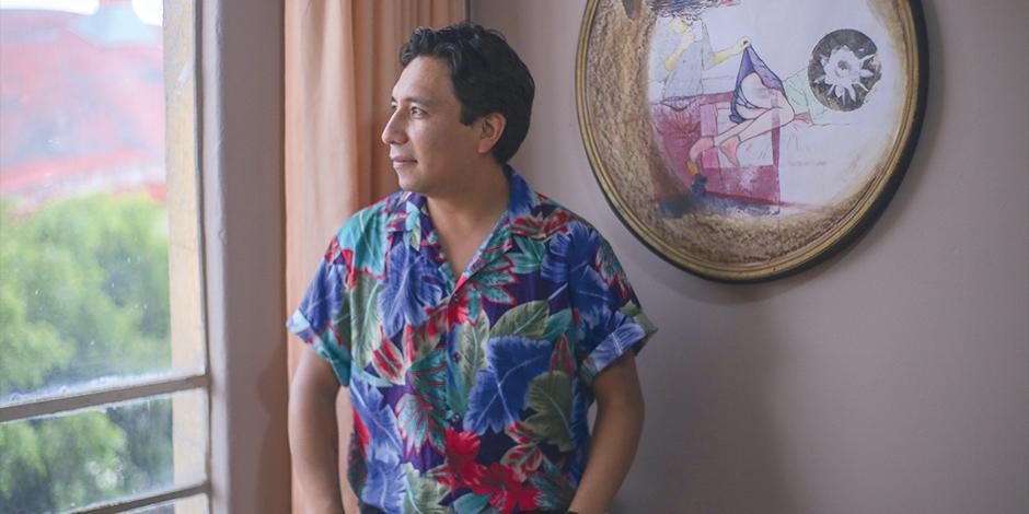 Mario Paredes Malibrán, en la Galería Unión, tras finalizar la entrevista.