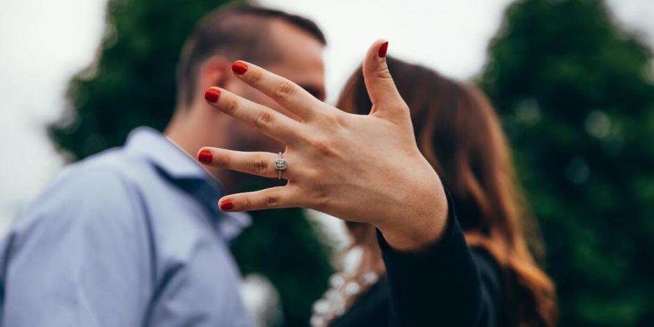 Su novia le pide relación abierta y ahora está enamorado de otra mujer