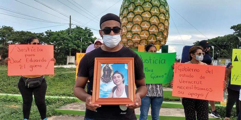El asesinato de José Eduardo Ravelo, de 21 años, desató una ola de protestas.