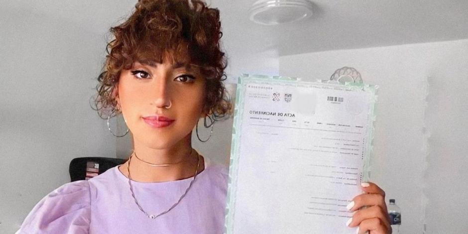 UNAM acepta cambio de nombre de alumna Trans en documentos oficiales