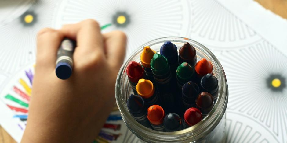 utiles escolares y becas