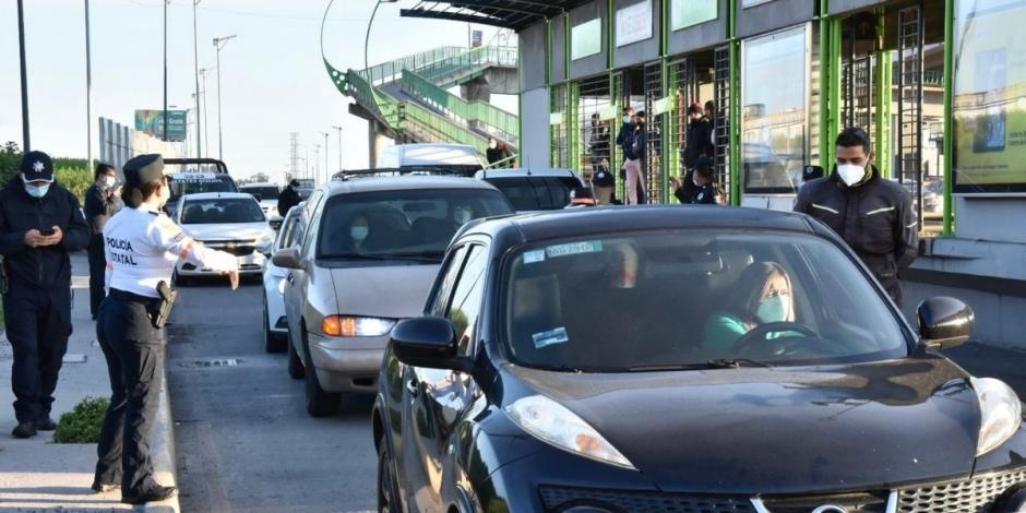 Conductor invade carril del Mexibús y atropella a peatón