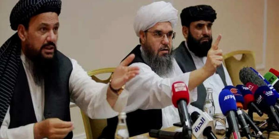 El portavoz de los talibanes también dijo que no sabe porqué la gente está tratando de huir
