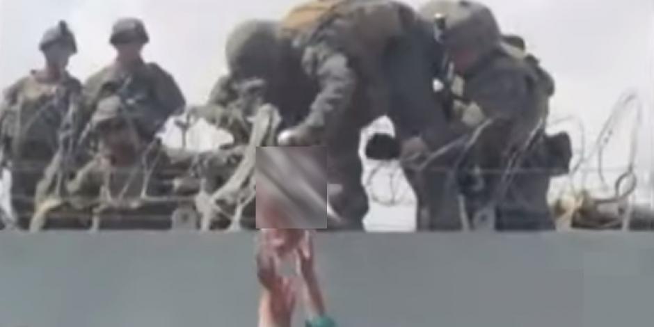 Padres entregan su hijo a soldados para que se lo lleven de Afganistán