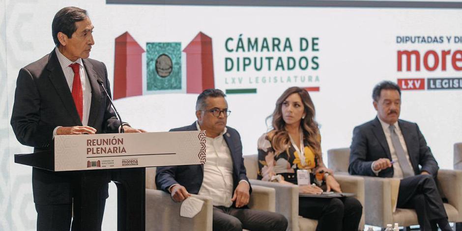 El recién llegado a la Secretaría de Hacienda, Rogelio Ramírez de la O, se reunió con dipu-tados de Morena, donde externó la posibilidad de usar los DEG para el pago de deuda.