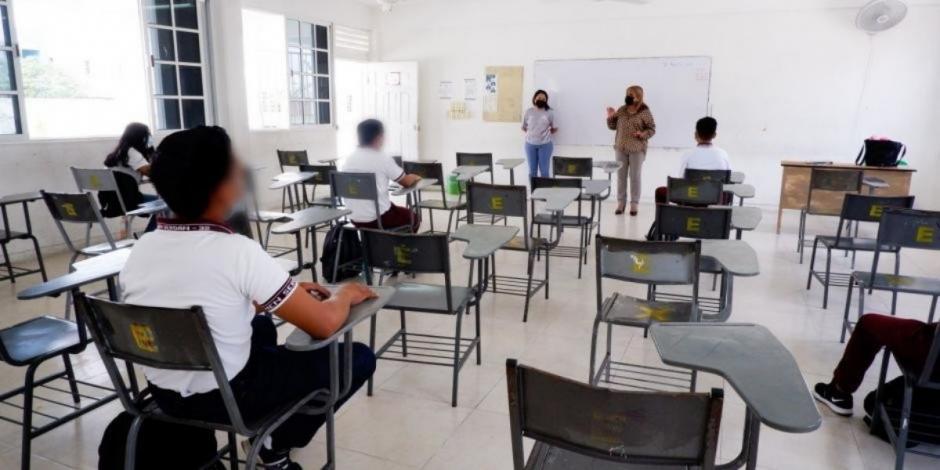 Casi 10 mil casos de menores con COVID-19 tras regreso a clases presenciales: SSa