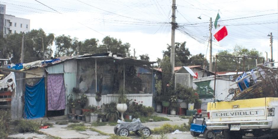 Casas de lámina de los damnificados del sismo de 1985, ayer.